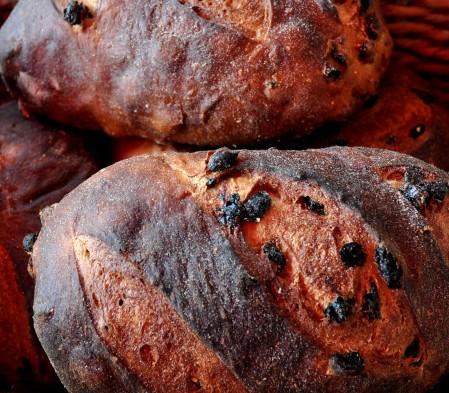 Raisin Pumpernickel bread from Snohomish Bakery. Copyright Zachary D, Lyons.