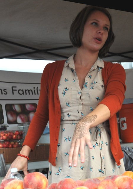Sarah from Collins Family Orchards at Madrona Farmers Market. Copyright Zachary D. Lyons.
