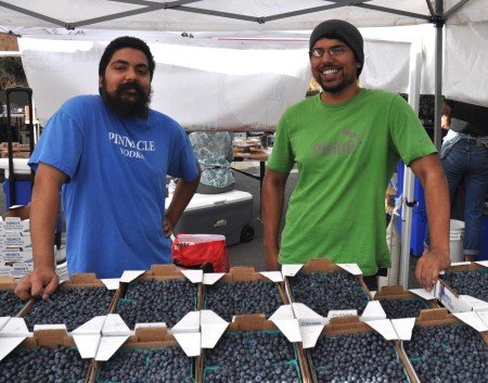 Sundeep (left) and Sharnjit from Sidhu Farms at Madrona Farmers Market. Copyright Zachary D. Lyons.